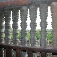 Камбоджа. Ангкор-Ват. Каменная решетка на третьем ярусе храма :: Владимир Шибинский