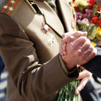 Рукопожатие ветерана. :: сергей лебедев