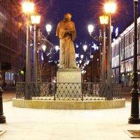 Памятник Гоголю. :: Александр Лейкум