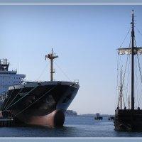 Встреча в порту... :: Владимир Секерко