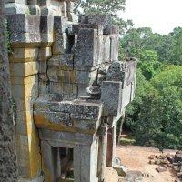 Камбоджа. Ангкор. Вход в один из храмов :: Владимир Шибинский