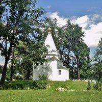 Территория Николо Угрешского Монастыря. :: Ольга Кривых