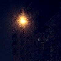 Ночь...  аптека... улица...  фонарь... :: Салаватка Тазиев