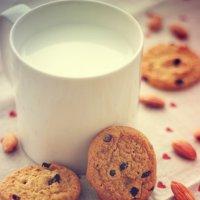 Молоко с печенками :: Елена Жабина