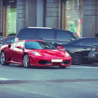 Ferrari в серой Столице :: Olika Iva