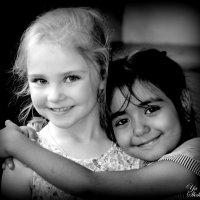 Детская дружба не знает национальностей. :: Яна Щербакова