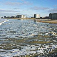 Вид Северного моря, город Остенде, Бельгия :: Борис Соловьев