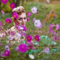 Девушка в цветах :: Мария Килина
