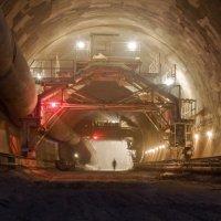 Строительство тоннеля :: Ян Богомолов