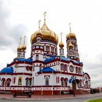 Храм Рождества Христова в Новокузнецке :: Игорь Чикуров