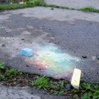 Дождь размыл цветные мелки :: Роман Яшкин