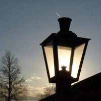 фонарь  на  Московской :: Дмитрий Потапов