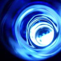 свет в синей  бутылке :: Дмитрий Потапов