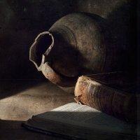 Про кувшин и книги :: Evgeny Kornienko