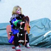Девочка на конике :: Жека Науманн