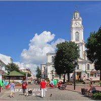 Собаки по Небу летают,а люди с ними по Витебску гуляют! :: Роланд Дубровский