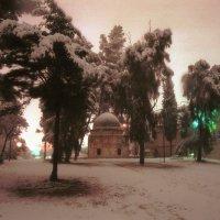 Иерусалим. Снег. Парк Мамилла. Древнее мусульманское кладбище. :: Игорь Герман