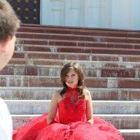 Девушка в красном. :: Инна Пономарева