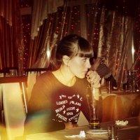 Девушка в кафе :: Mishka Sharipov