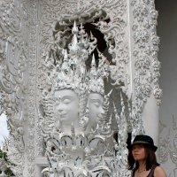 Таиланд. Чанг-Рай. Белый храм, дизайн и стиль отделки :: Владимир Шибинский