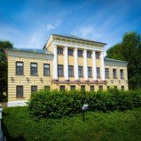 Здание в стиле классицизма. Углич :: Антон Лебедев