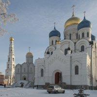 Главные храмы и колокольня Николо-Угрешского монастыря :: Николай