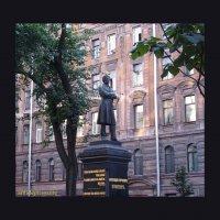 Пушкин на Пушкинской улице :: vadim