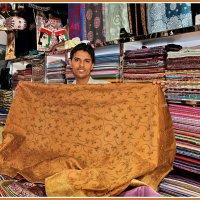 Продавец в старом Дубае :: Евгений Печенин