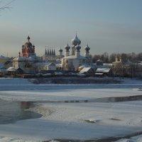 вид на монастырь :: Сергей Кочнев