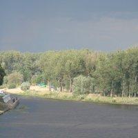 Река.Перед дождём. :: Владимир Гилясев