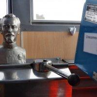 Железный Феликс у руля... :: Ирина Данилова