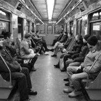 Одиночество в метро №2 :: Татьяна Белякова