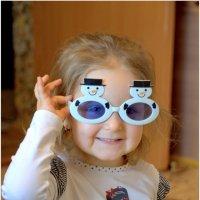 Блондинка в голубых очках. :: Saniya Utesheva