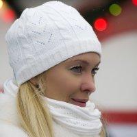 Снегурочка в ожидании выхода на лед :: Виктория Поплавская