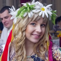 девушка в украинском костюме :: Елена Архипова