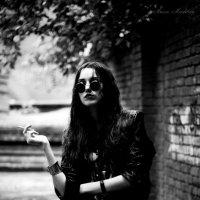 Запускаю сигареты дыма кольцо … :: Анна Mэдисон