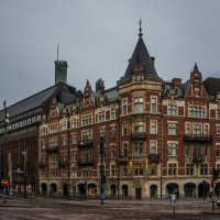 Old and modern buildings :: Sergey Oslopov