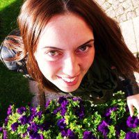 Цветочки и лисичка :: Владимир Афанасьев
