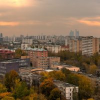 Осень в мегаполисе :: BoriSav Sav