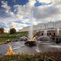 Большой каскад и Большой Петергофский дворец :: Алексей Шуманов