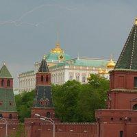 молния над Москвой :: Алексей Бойко