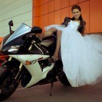 Она и байк :: Sergey Xranitel