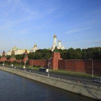 Утро на Москва-реке :: ВЯЧЕСЛАВ КОРОБОВ
