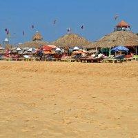 Индия. Гоа. Пляж Калангута, кафе :: Владимир Шибинский