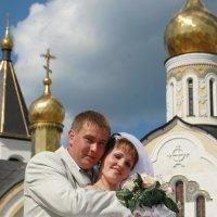 У храма :: Александр Фищев
