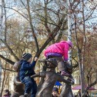 Курган. Детский парк. :: Евгений Мельников