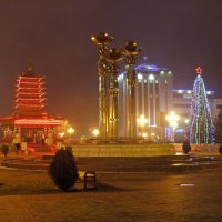 Новогодняя площадь Элисты :: Олег Фомин