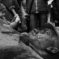 Ленин пал. :: Юрий Козлов