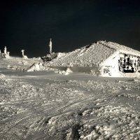 Бывшая метеостанция, высота 1100 м. :: Владимир