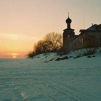 Закат на Спасе - Каменном :: Валерий Талашов